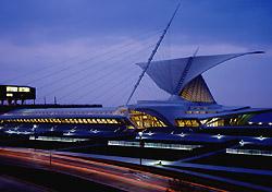 Milwaukee-ArtMuseumNight