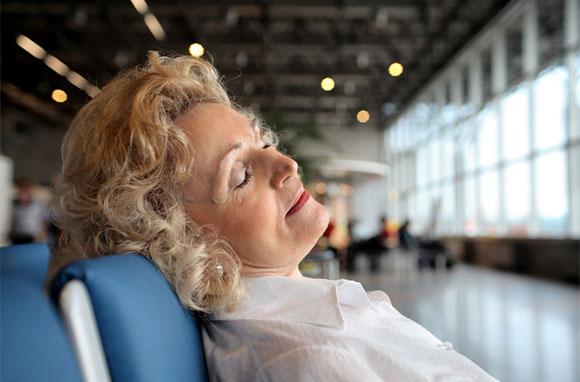 580x382_Sleeping-at-Airport