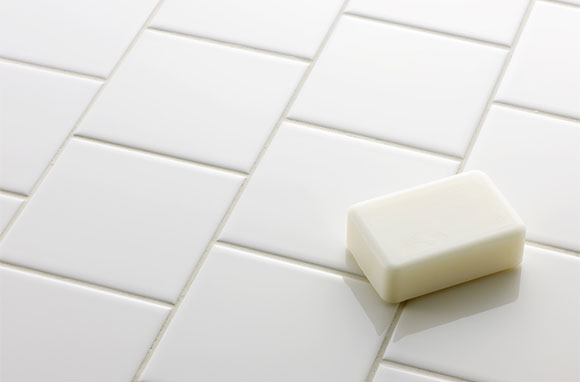580x382_White-Bar-of-Soap-on-Floor
