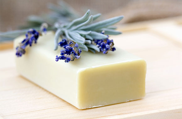 580x382_Bar-of-Natural-Soap-with-Lavender