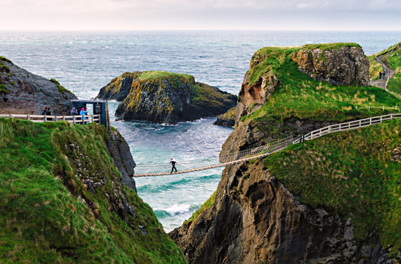 Carrick-a-Rede Rope Bridge-580x382