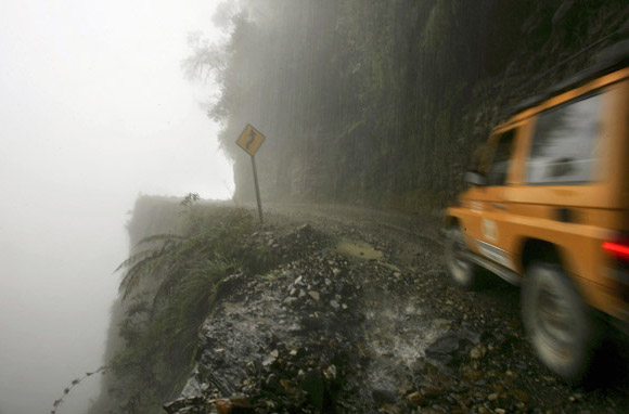 North Yungas Road-580x382
